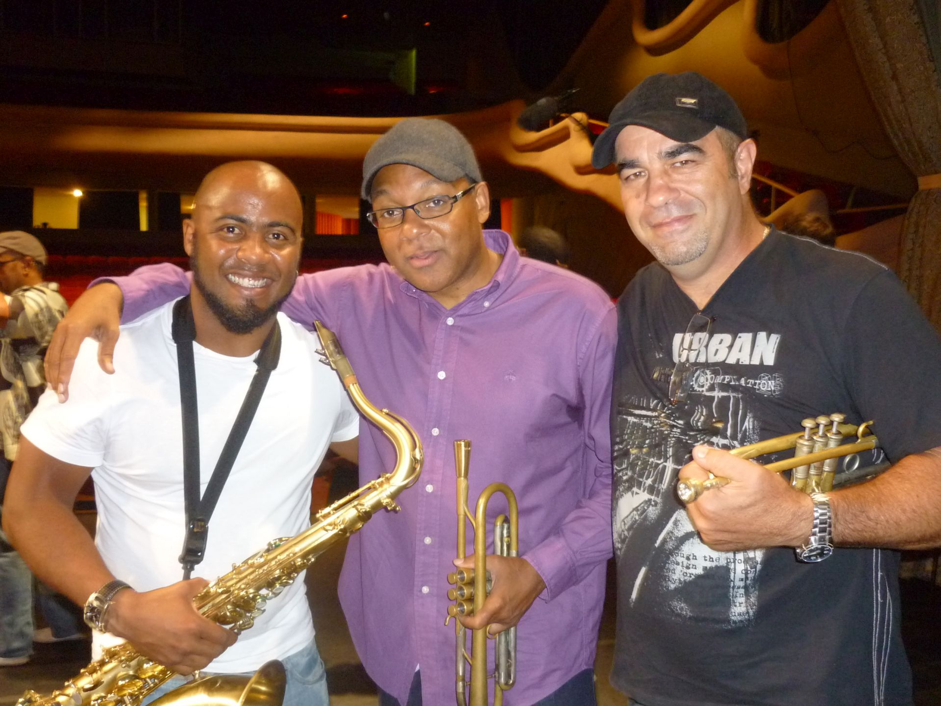Carlos Miyares_with Wynton y Molote.Oct 2010.JPG